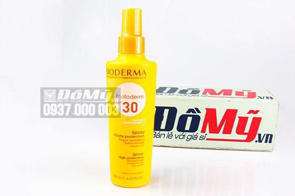 Xịt chống nắng Bioderma Photoderm SPF 30+ Spray High Protection 200ml của Pháp