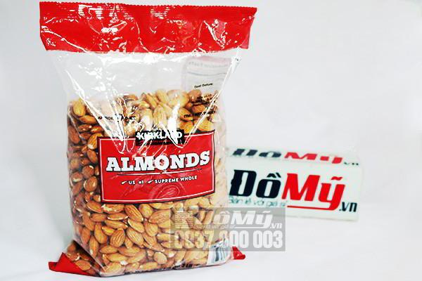 Hạt hạnh nhân Kirkland Almonds không muối gói 1.36kg của Mỹ