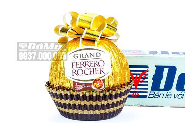 Kẹo chocolate nhân hạt dẻ Ferrero Rocher Grand 125g của Đức