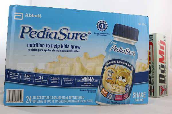 Sữa Pediasure 237ml hương vanilla nhập trực tiếp từ Mỹ dành cho trẻ 1-10 tuổi.
