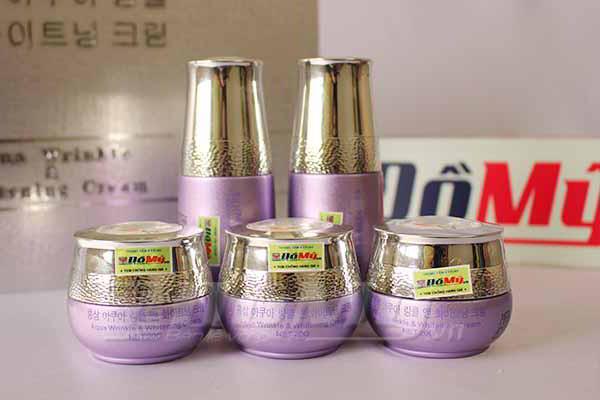 Bộ mỹ phẩm trắng da chống lão hóa Aqua Wrinkle Hàn Quốc (5 in 1)