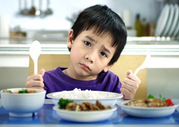 3 Nguyên Nhân Trẻ Biếng Ăn Mẹ Ít Ngờ Tới
