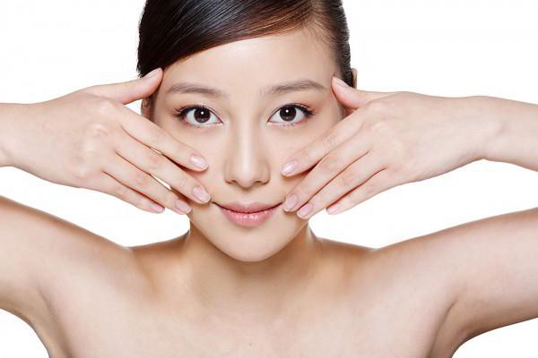 Chống lão hóa da mặt chỉ với 15 phút matxa mặt  mỗi ngày
