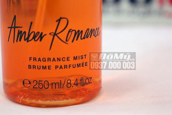 Xịt thơm toàn thân Amber Romance Fragrance Mist Victoria's Secret 250ml của Mỹ