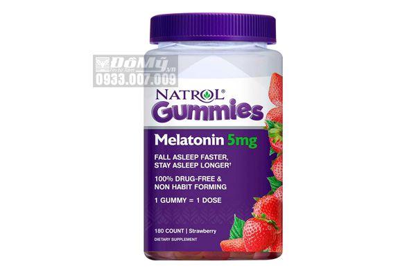 Kẹo dẻo giúp ngủ ngon Natrol Gummies Melatonin 5mg 180 viên vị dâu của Mỹ
