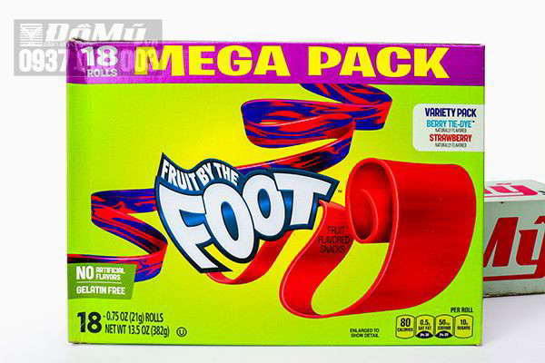 Hộp kẹo dẻo cuộn Mega Pack Fruit By The Foot của Mỹ