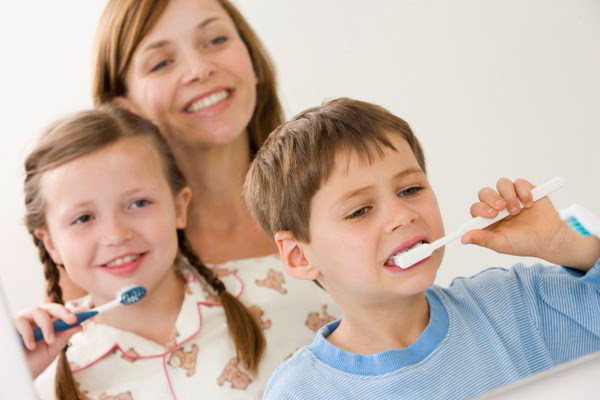 Kinh nghiệm chăm sóc răng cho bé