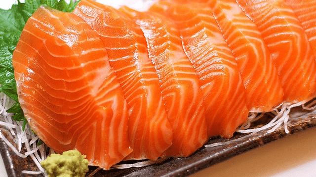 Ăn cá hay uống viên dầu cá, cách nào tốt hơn?